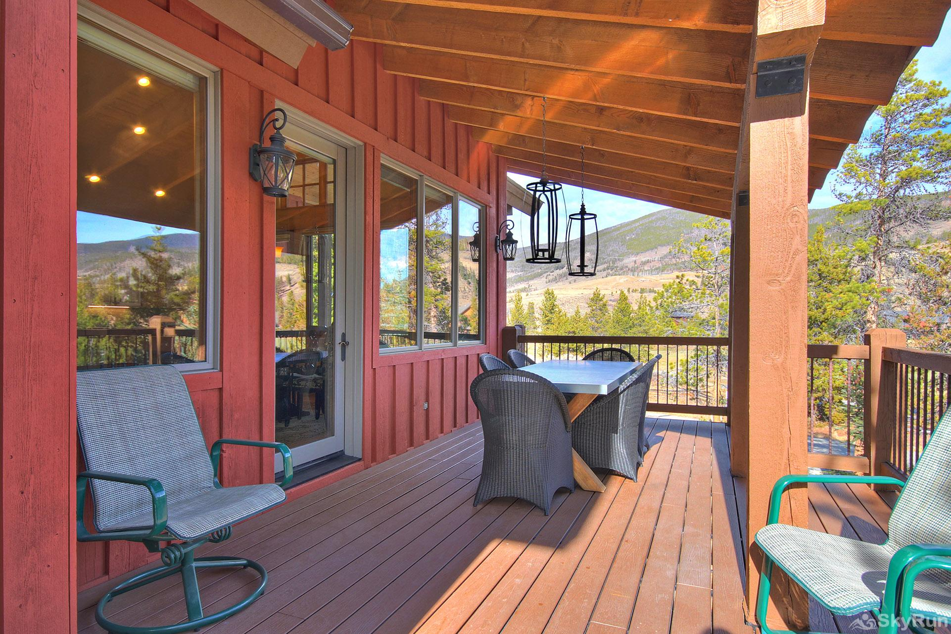 170 Elk Circle Outdoor Dining Area