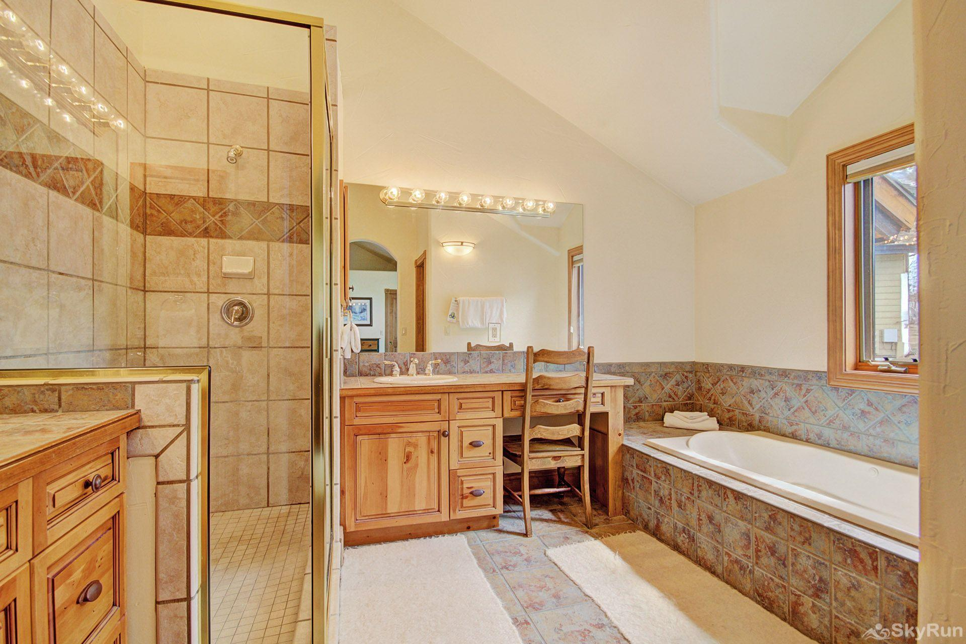 CrossTimbers 2784 Enjoy the jetted tub in the huge ensuite master bathroom.