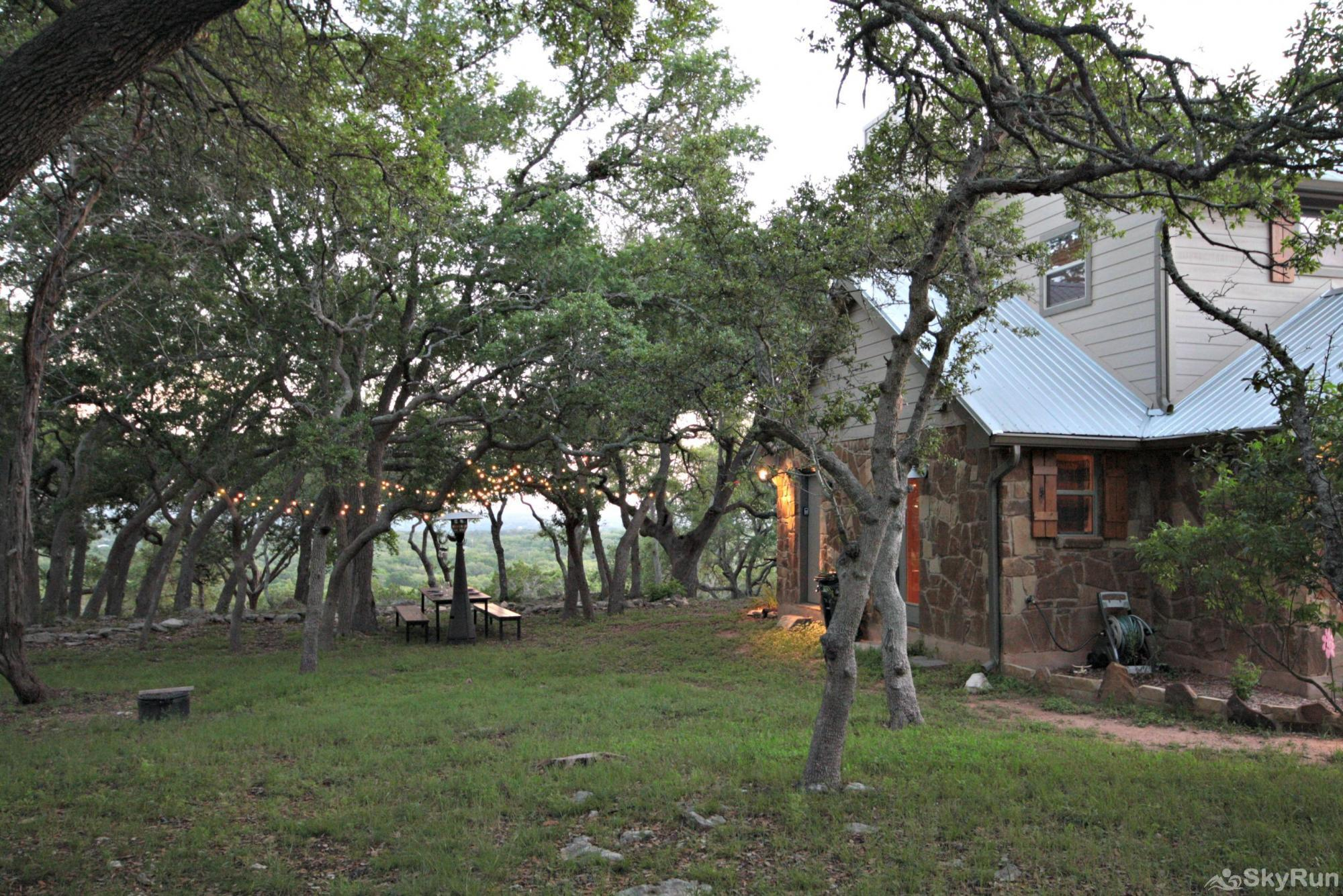 HILLTOP HIDEAWAY Experience the Hill Country