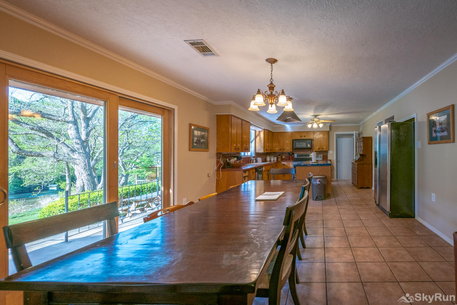 GUADALUPE RIVER GETAWAY Large Dining Table and Kitchen