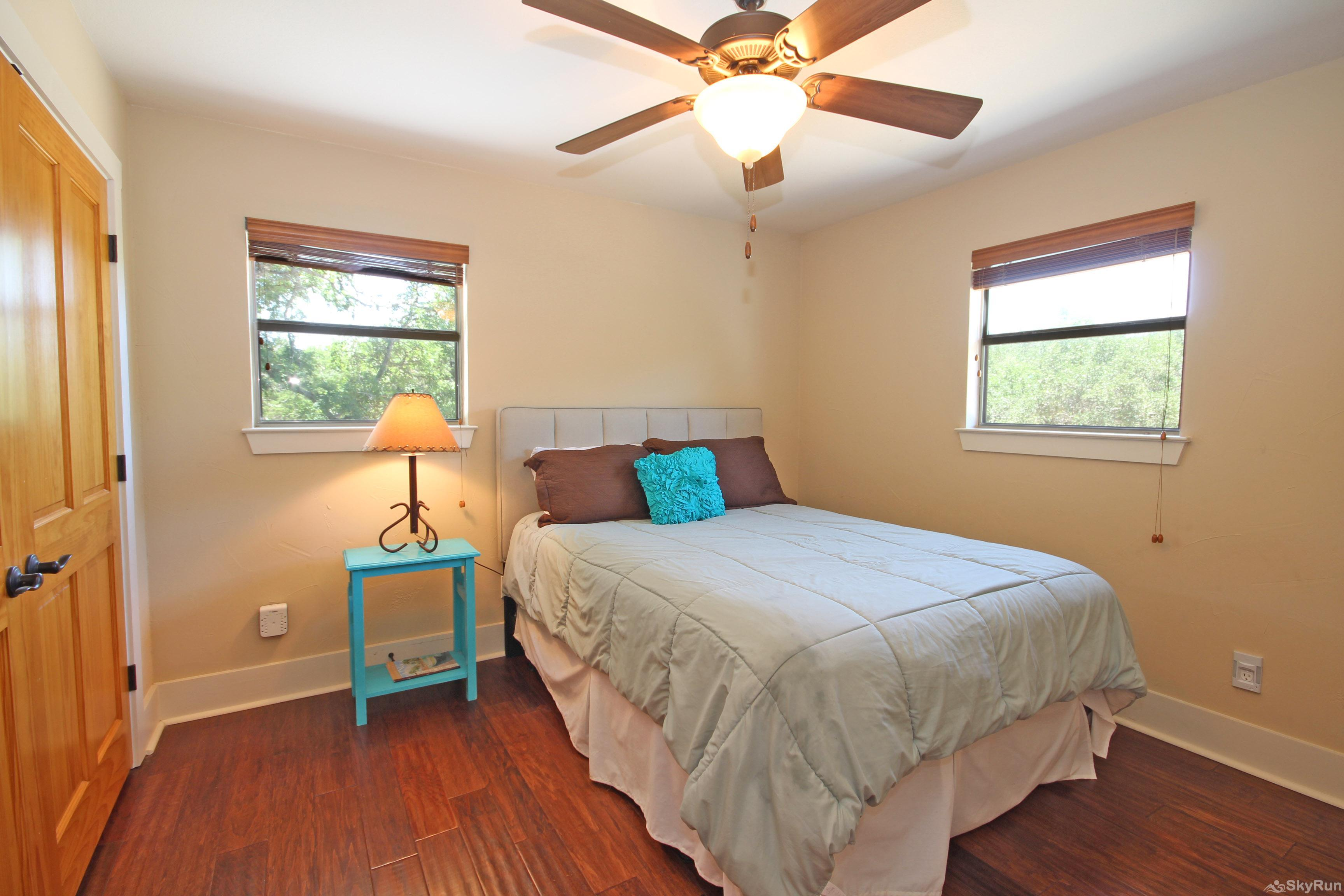 HILLTOP HIDEAWAY AND BUNKHOUSE COMBO Third Bedroom with Queen Bed