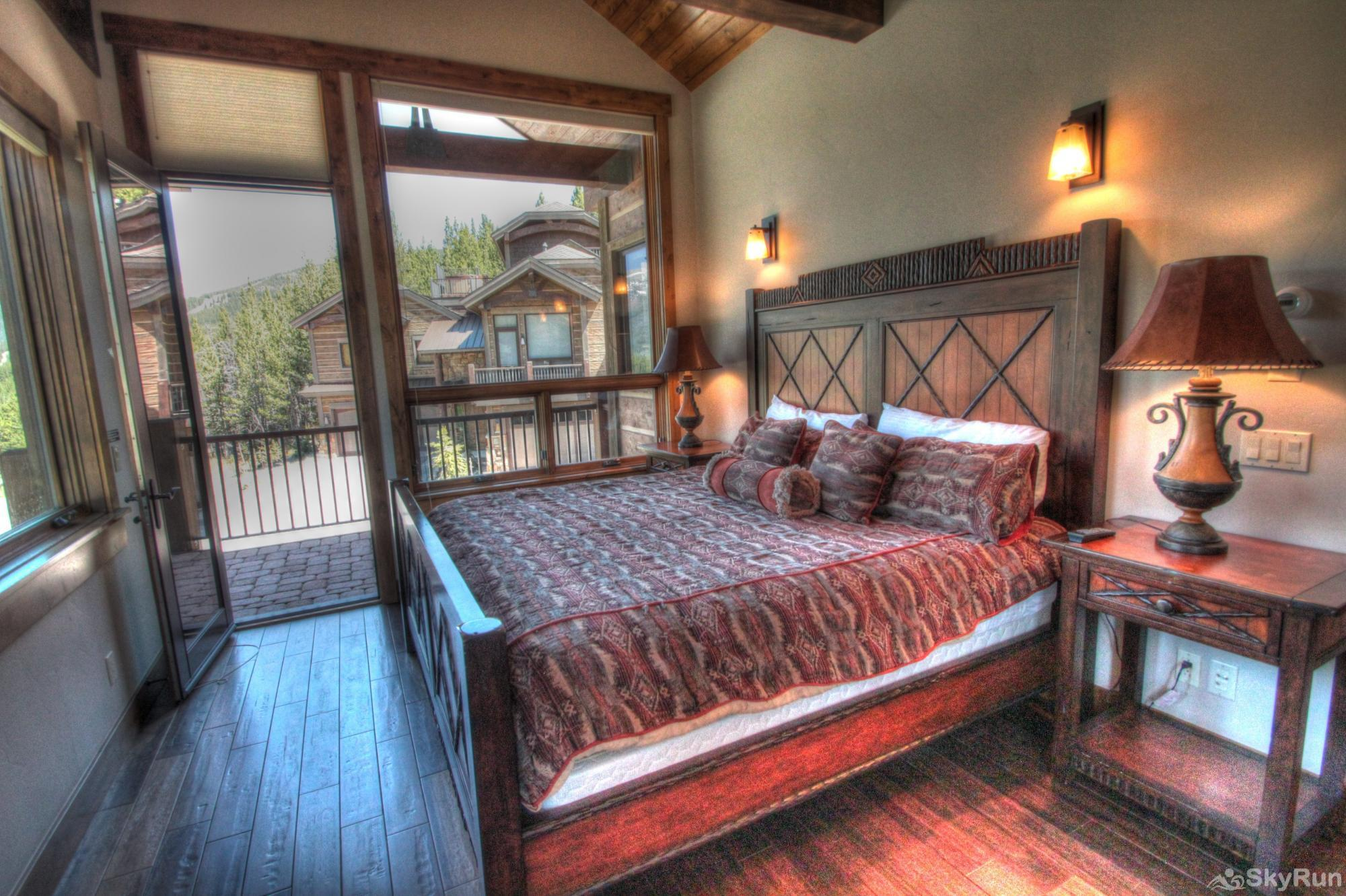 LR900 Mont Blanc in Lewis Ranch Master Bedroom