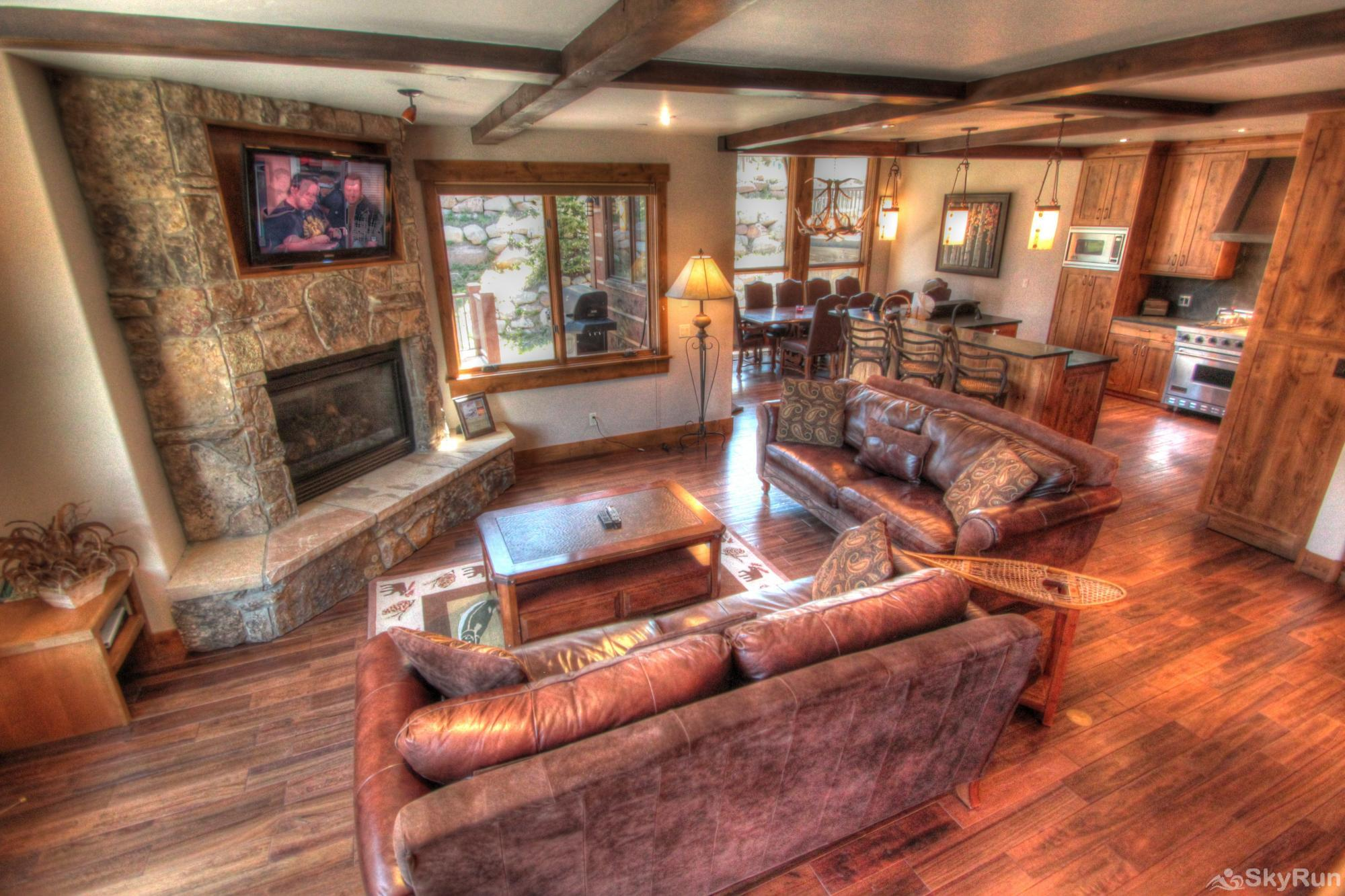 LR900 Mont Blanc in Lewis Ranch Living Area View