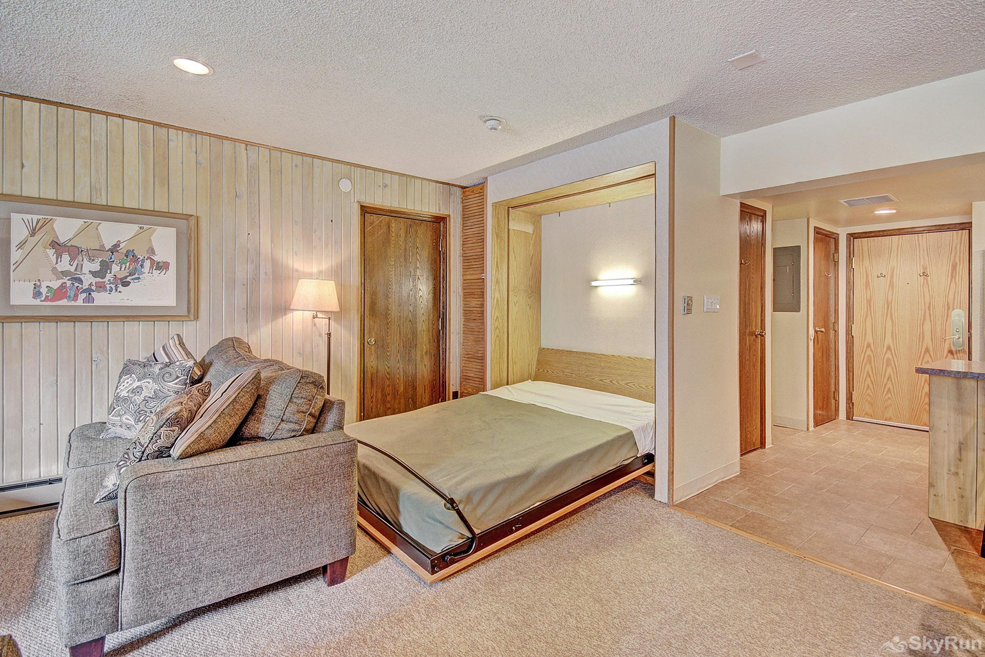 CM116S and 117H Copper Mtn Inn Murphy Bed Pullout