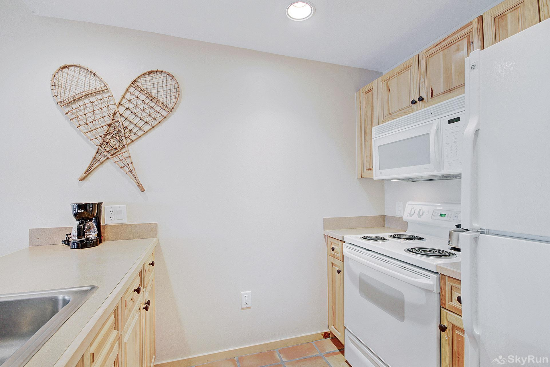 TX202 Taylors Crossing Fully Equipped Kitchen