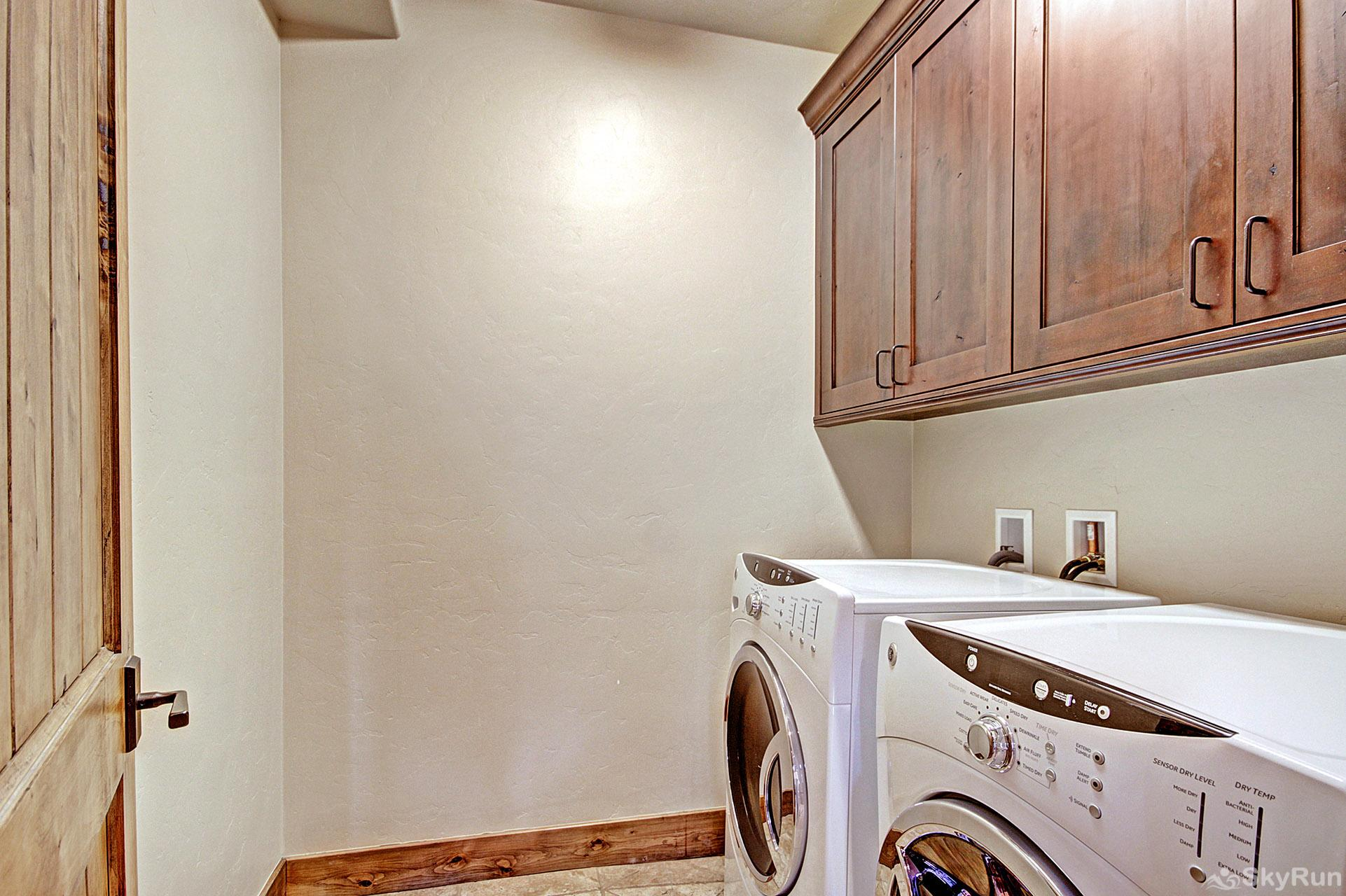 LR962 The Timberline at Lewis Ranch Private Washer and Dryer