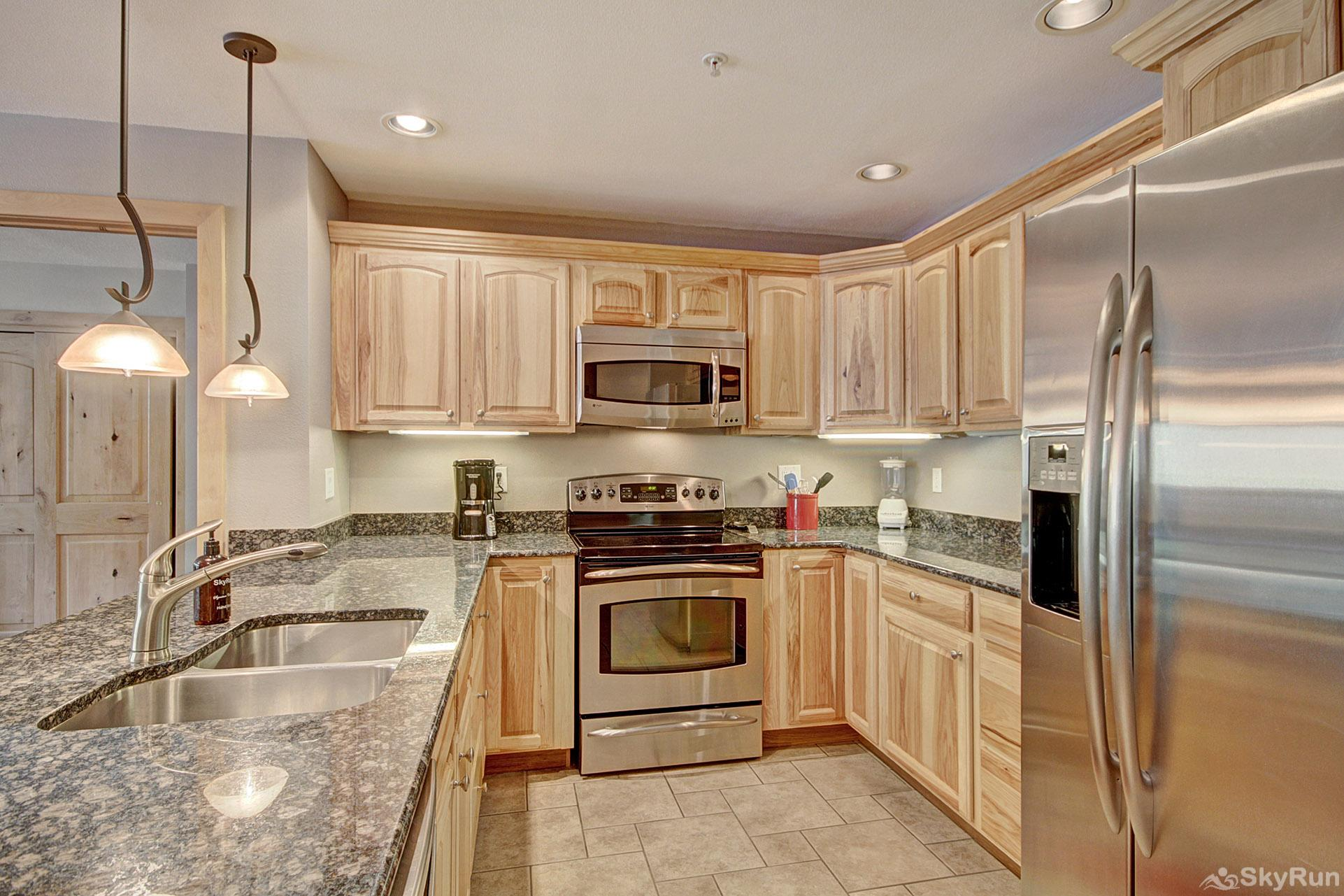MP706 Mountain Plaza Beautiful Fully Equipped Kitchen