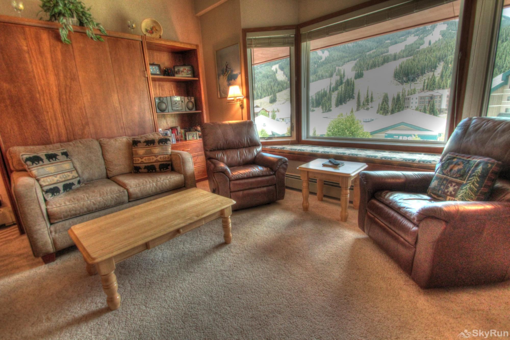 TL505 Telemark Lodge 1BR 2BA Living Room