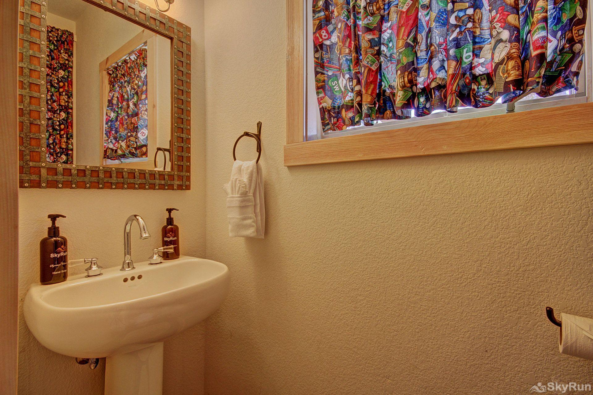 EN402 Ranch at Eagles Nest 3BR 4BA Guest bathroom on main level