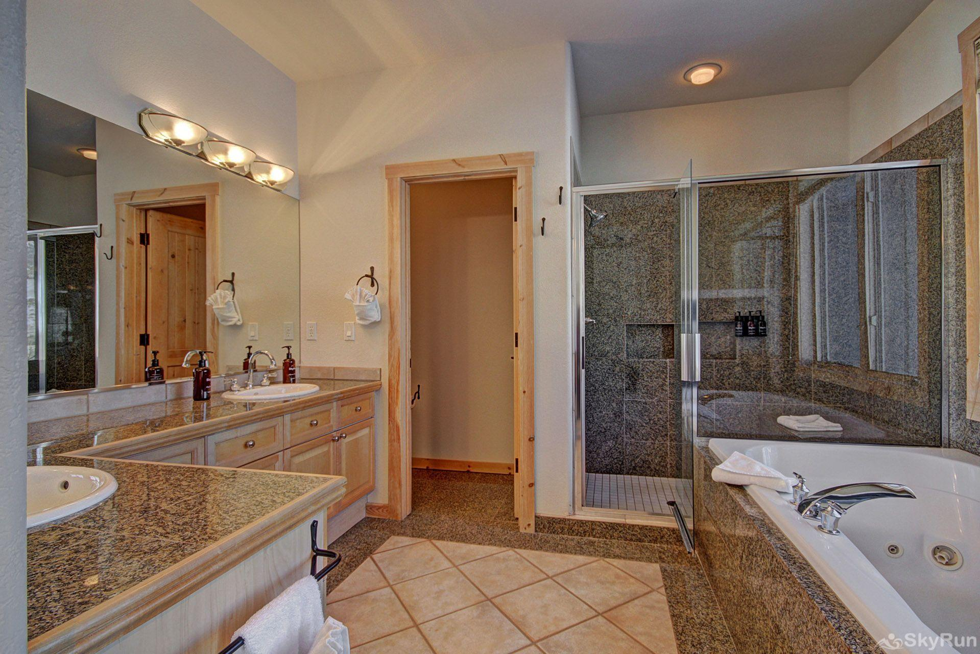 EN402 Ranch at Eagles Nest 3BR 4BA Large Master Bathroom