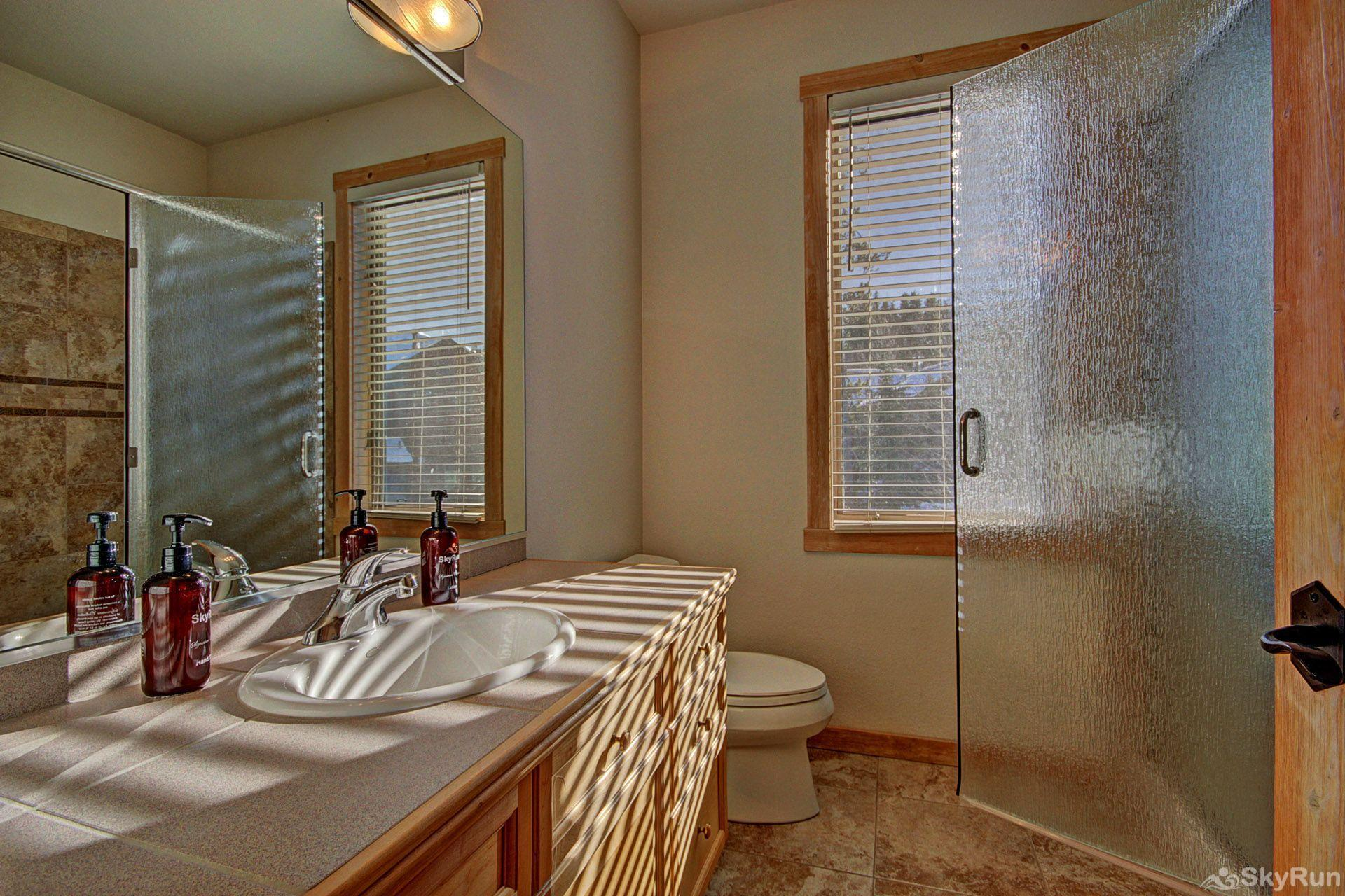 EN402 Ranch at Eagles Nest 3BR 4BA Full Guest Bathroom