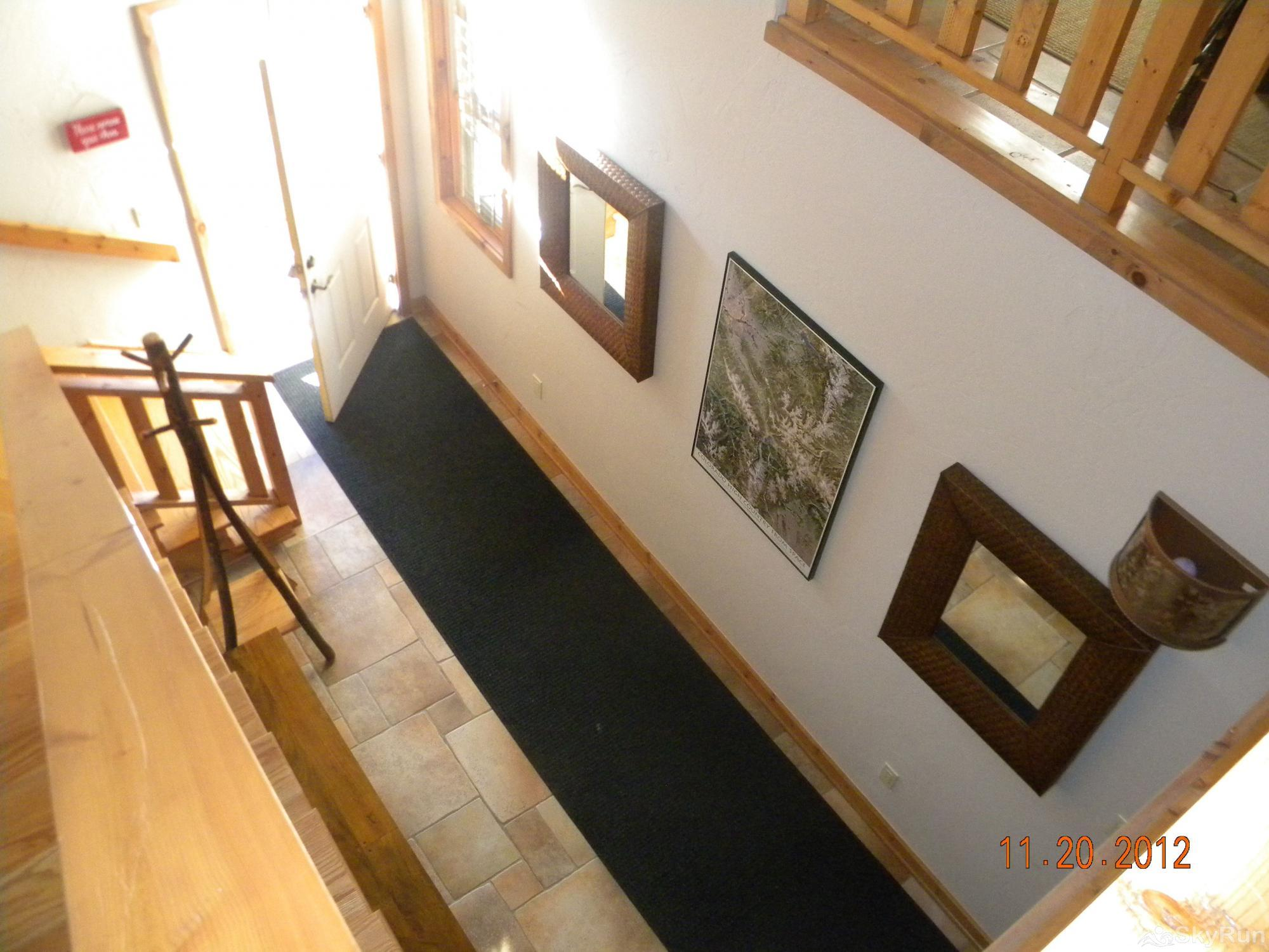 401 Creekside Townhome 2BR 3BA Aerial view of entry way