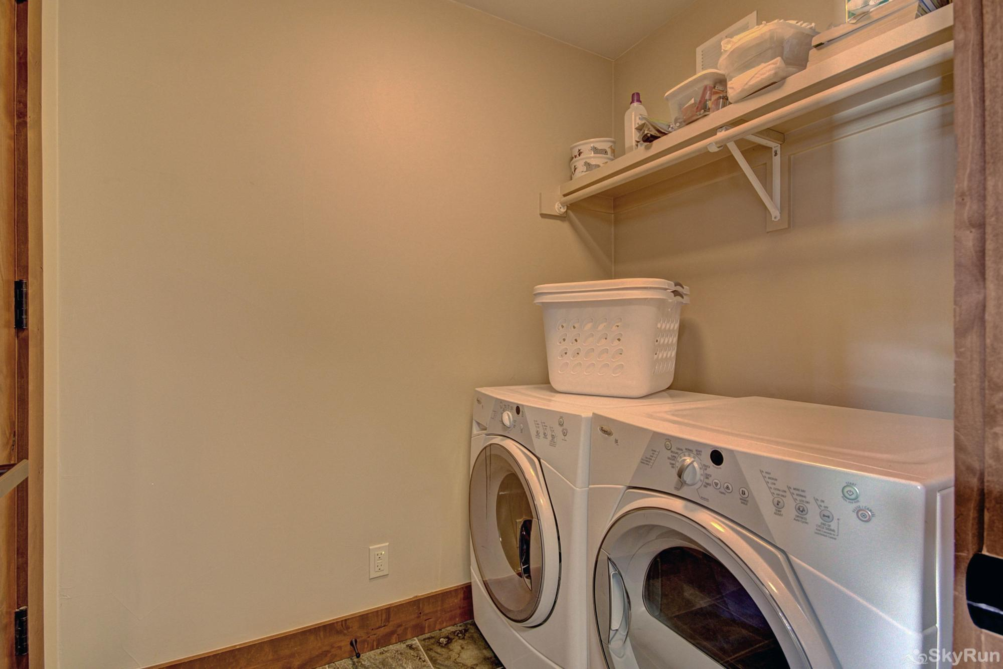 B202 WaterTower Place 2BR 3BA Front loading washer & dryer