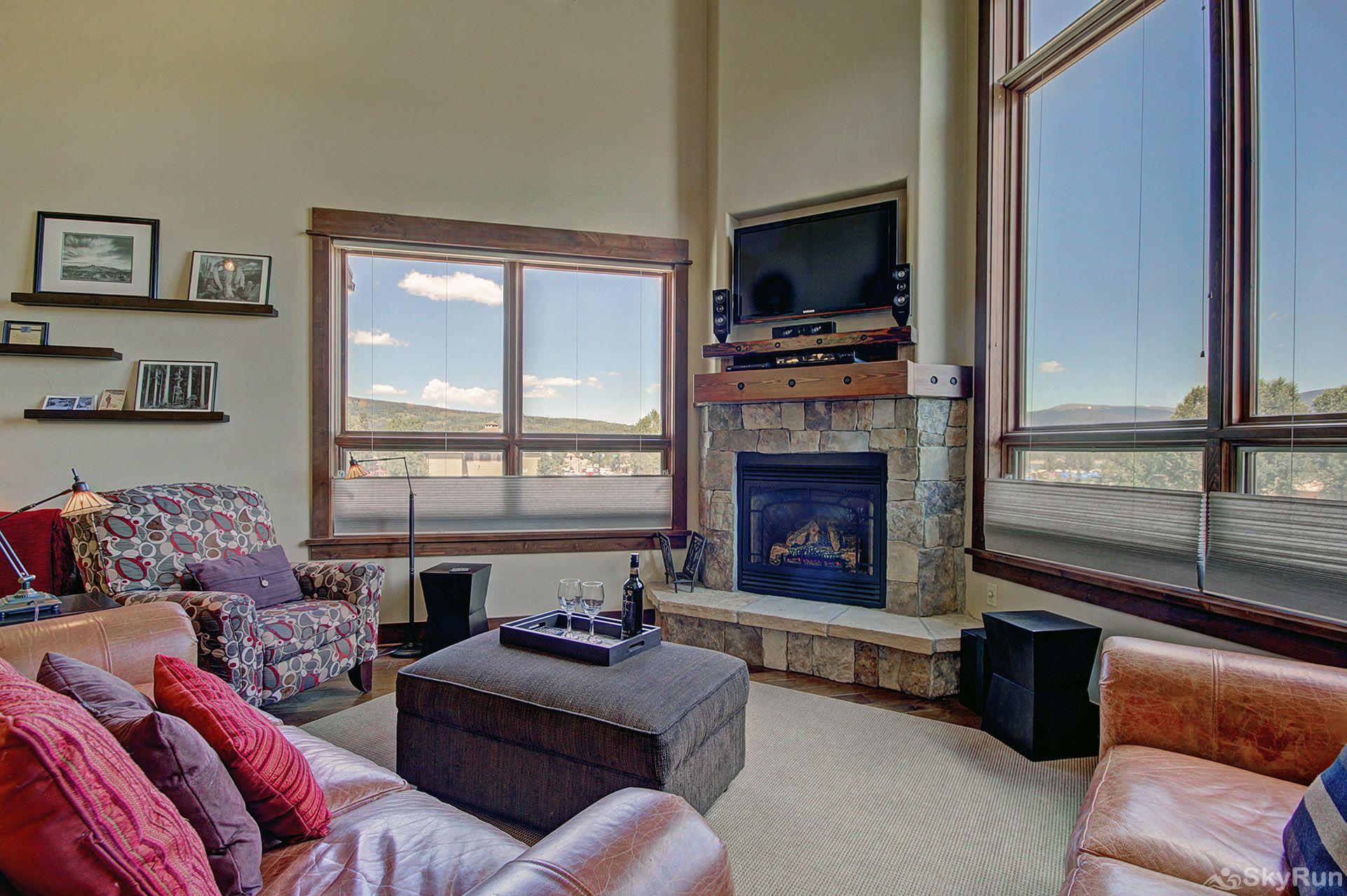 B201 WaterTower Place 3BR 3BA Stunning Great Room
