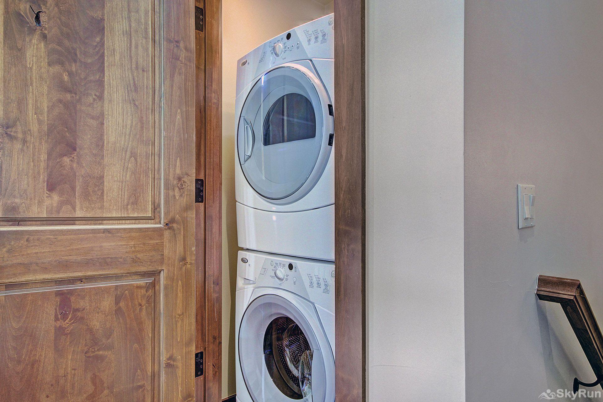 B201 WaterTower Place 3BR 3BA Front loading washer/dryer