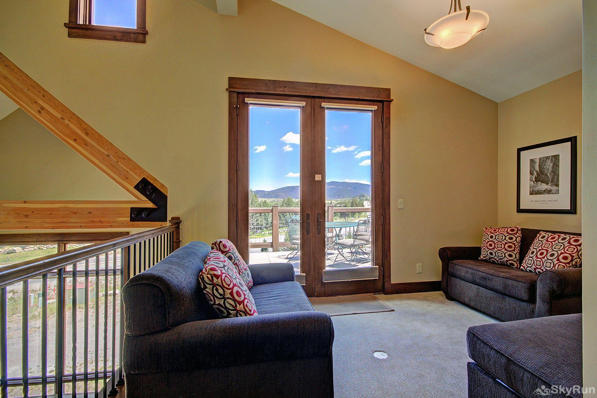 B201 WaterTower Place 3BR 3BA Loft with lake views