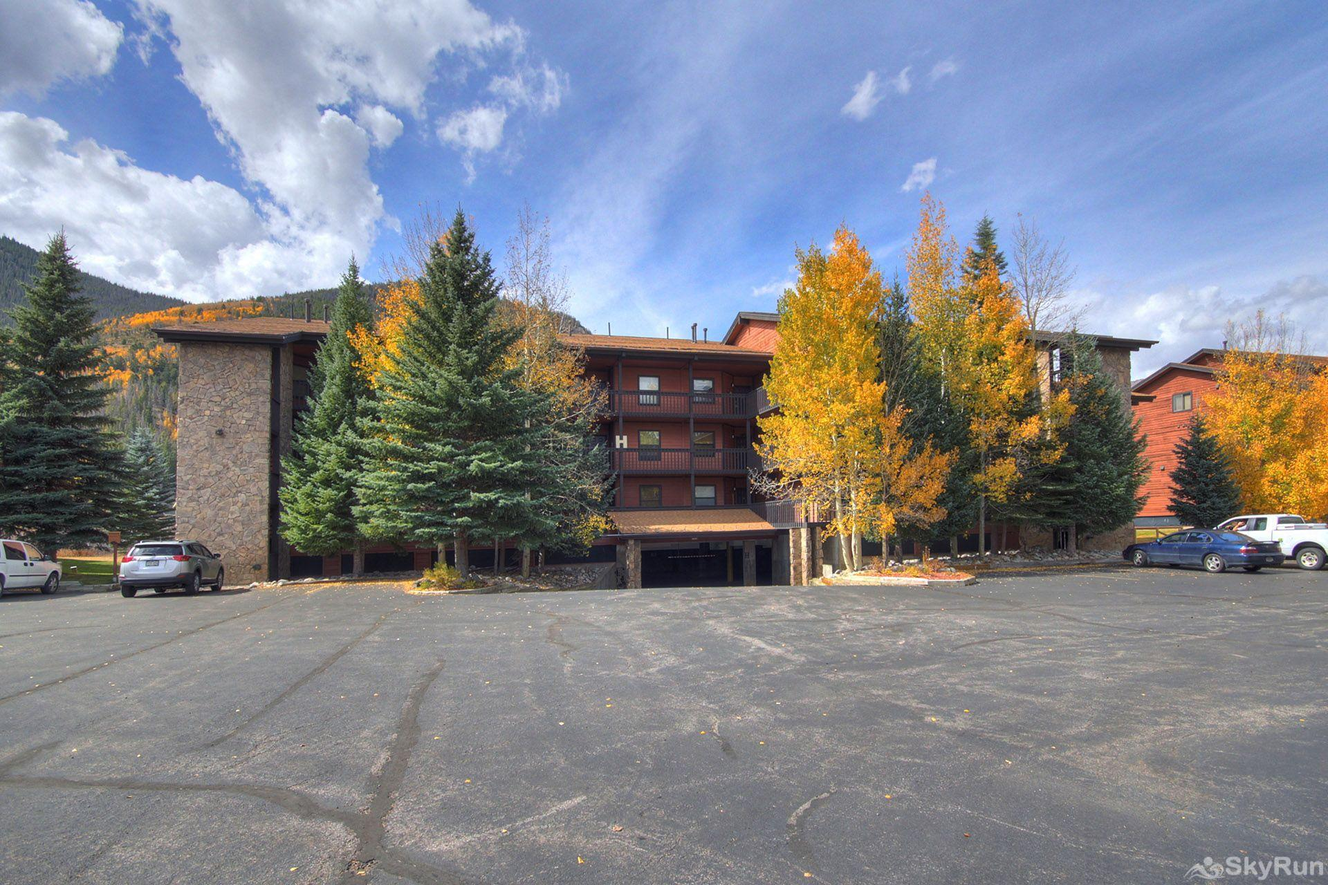241C Mountain Side 2BR 2BA Parking at the condo