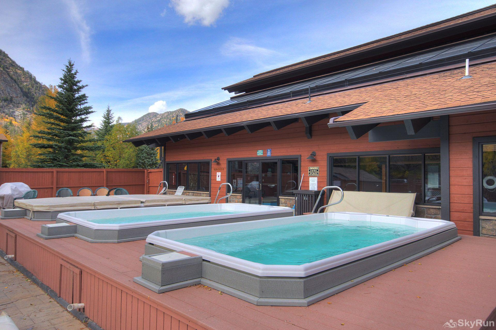 241C Mountain Side 2BR 2BA Three Outdoor Hot Tubs!