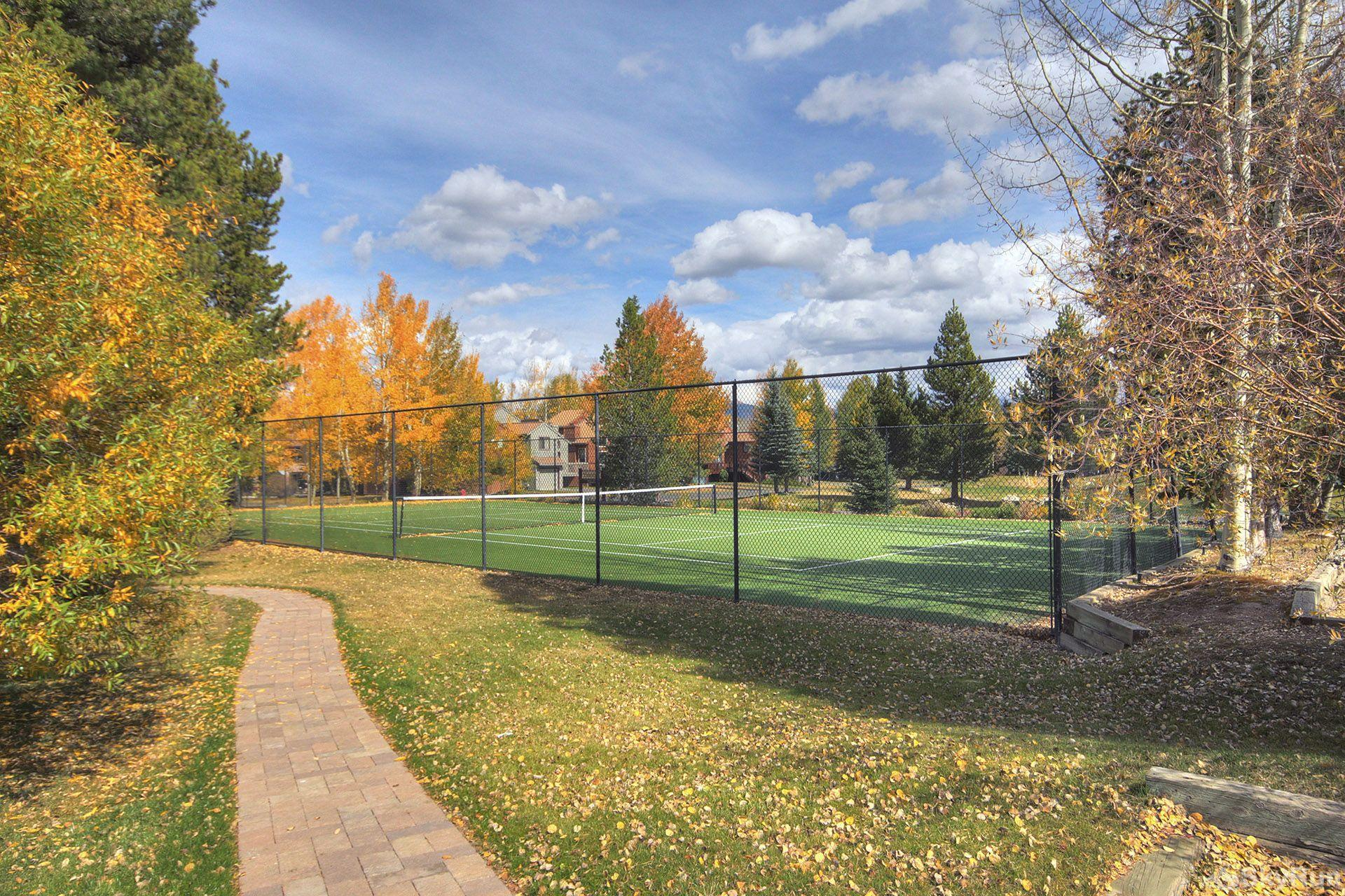 241C Mountain Side 2BR 2BA Tennis Courts