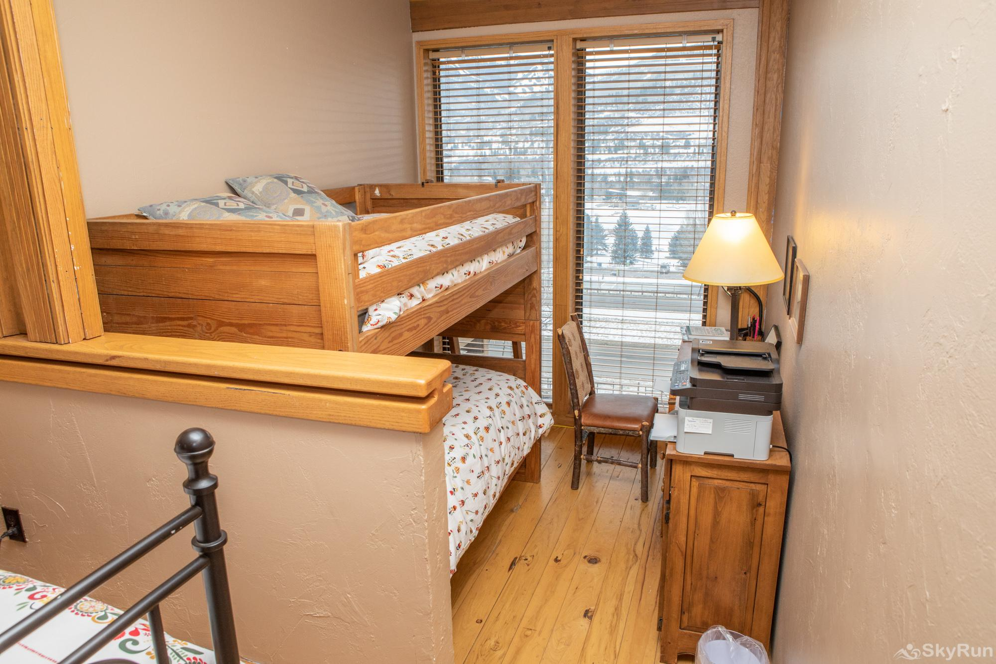 16 Chambertin Townhomes Bunk beds
