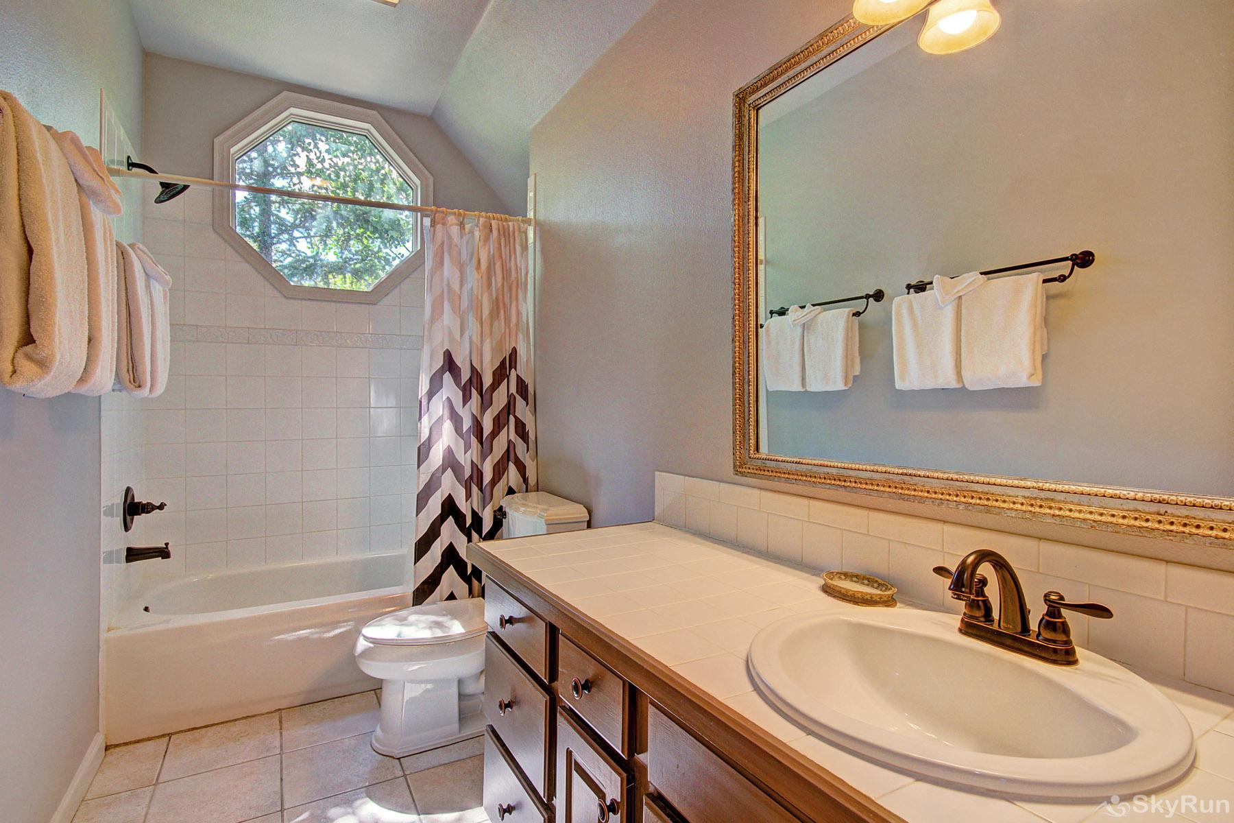 Bear Pine Chalet Upper level hall bathroom