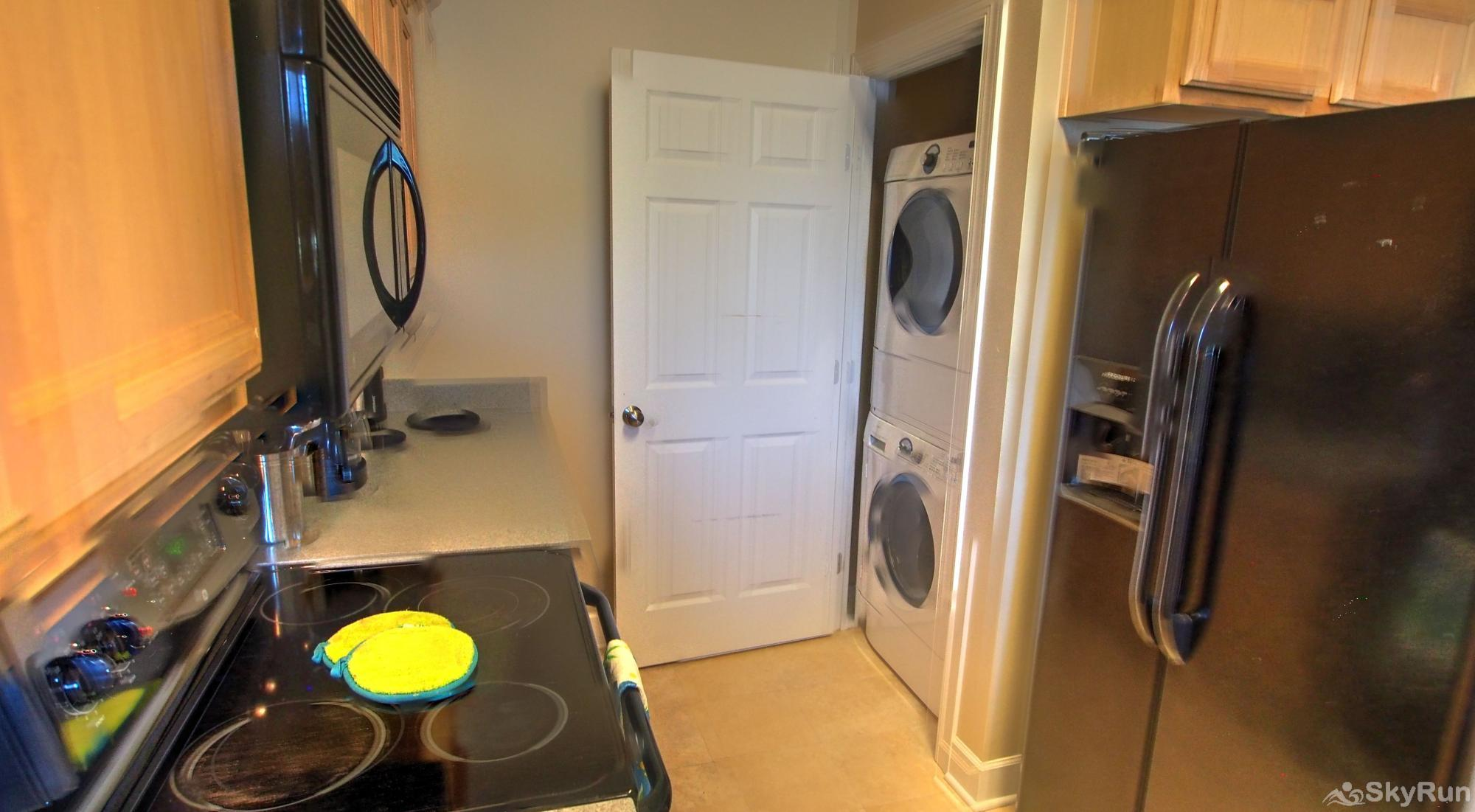 Peridot Bay Stacked full-sized Washer/Dryer