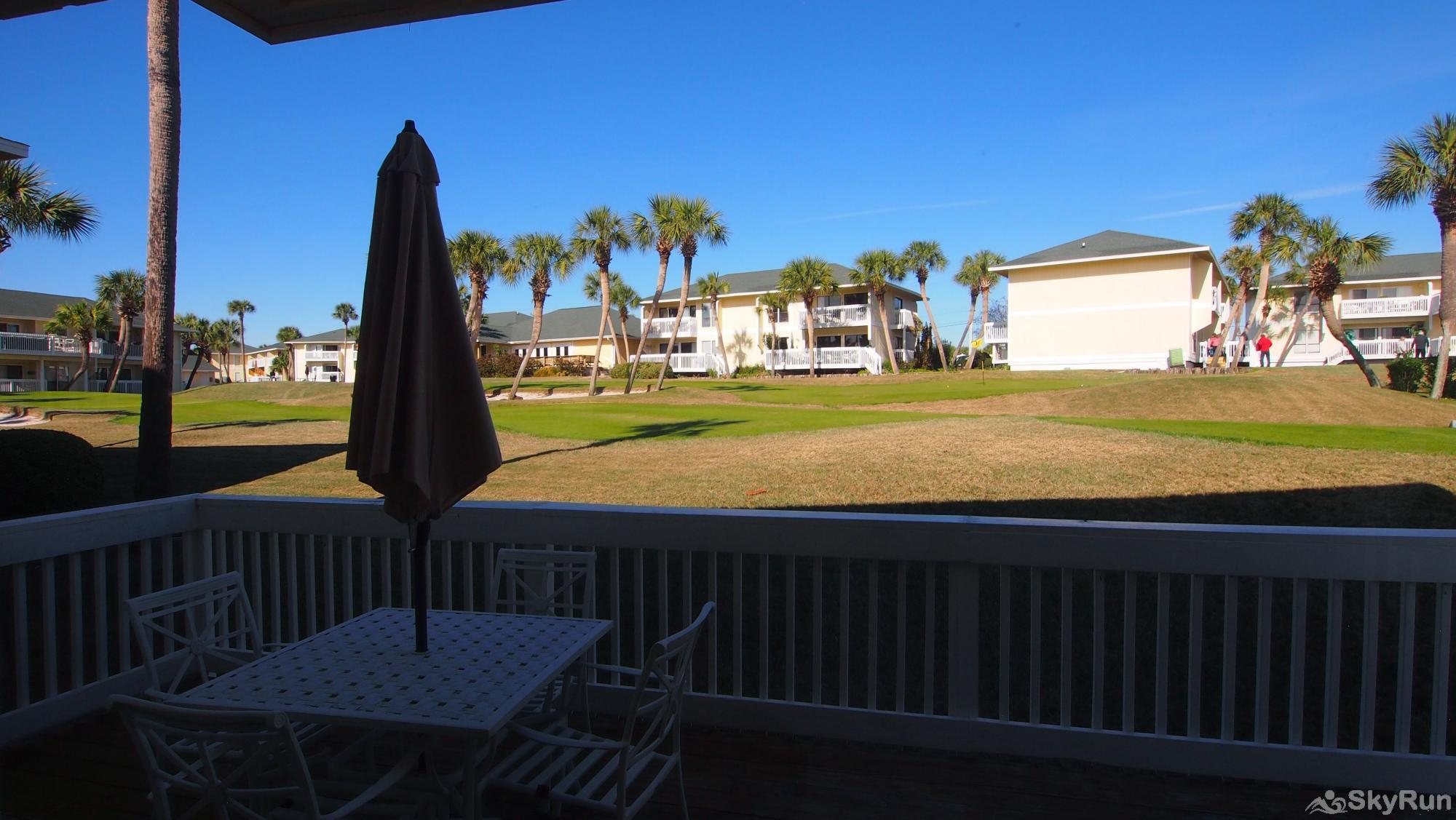 Cajun Fun 1060 Deck to Watch Golfers!