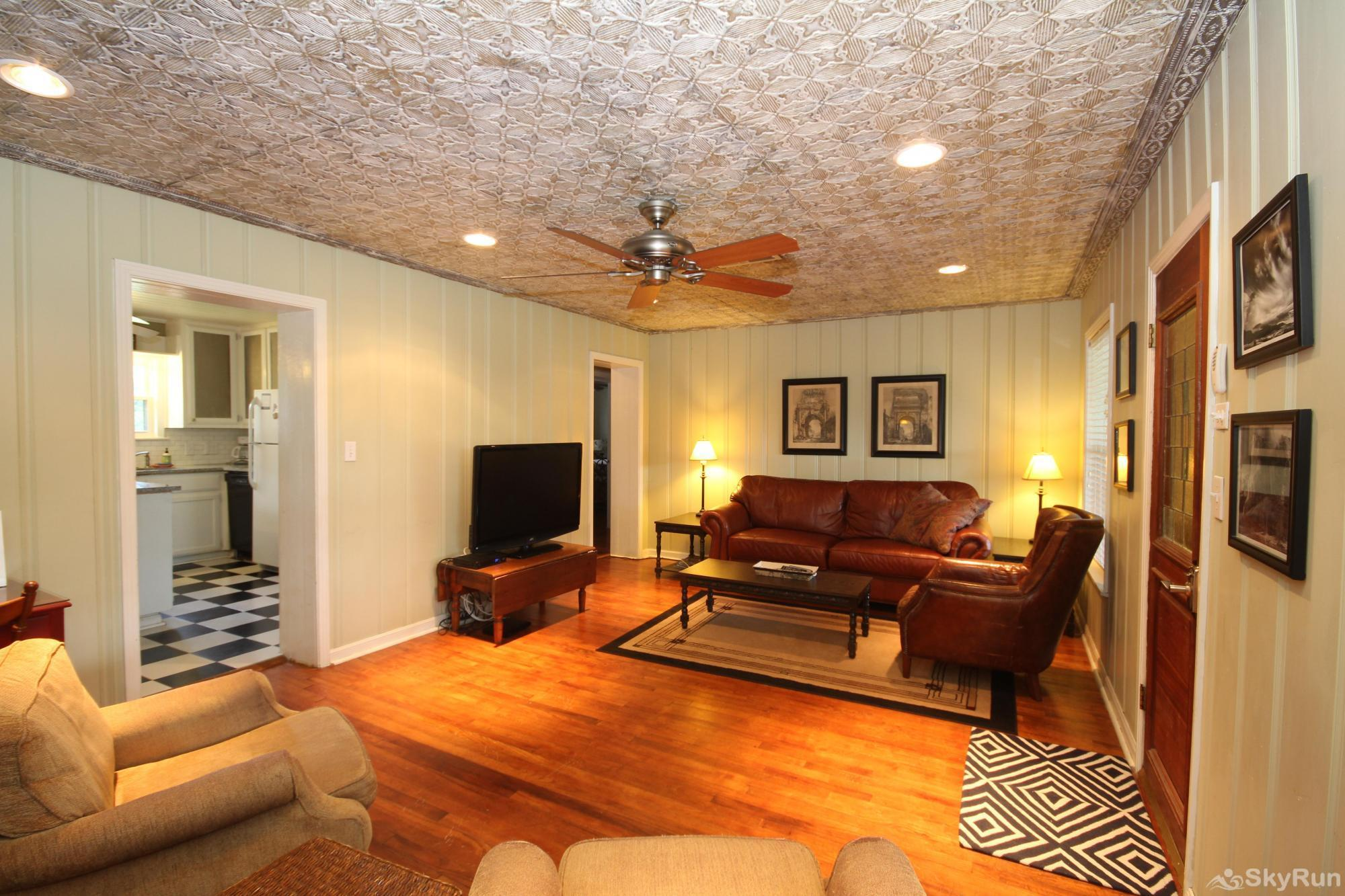 SHEPHERD'S REST Living Room with HDTV & Comfy Leather Furniture