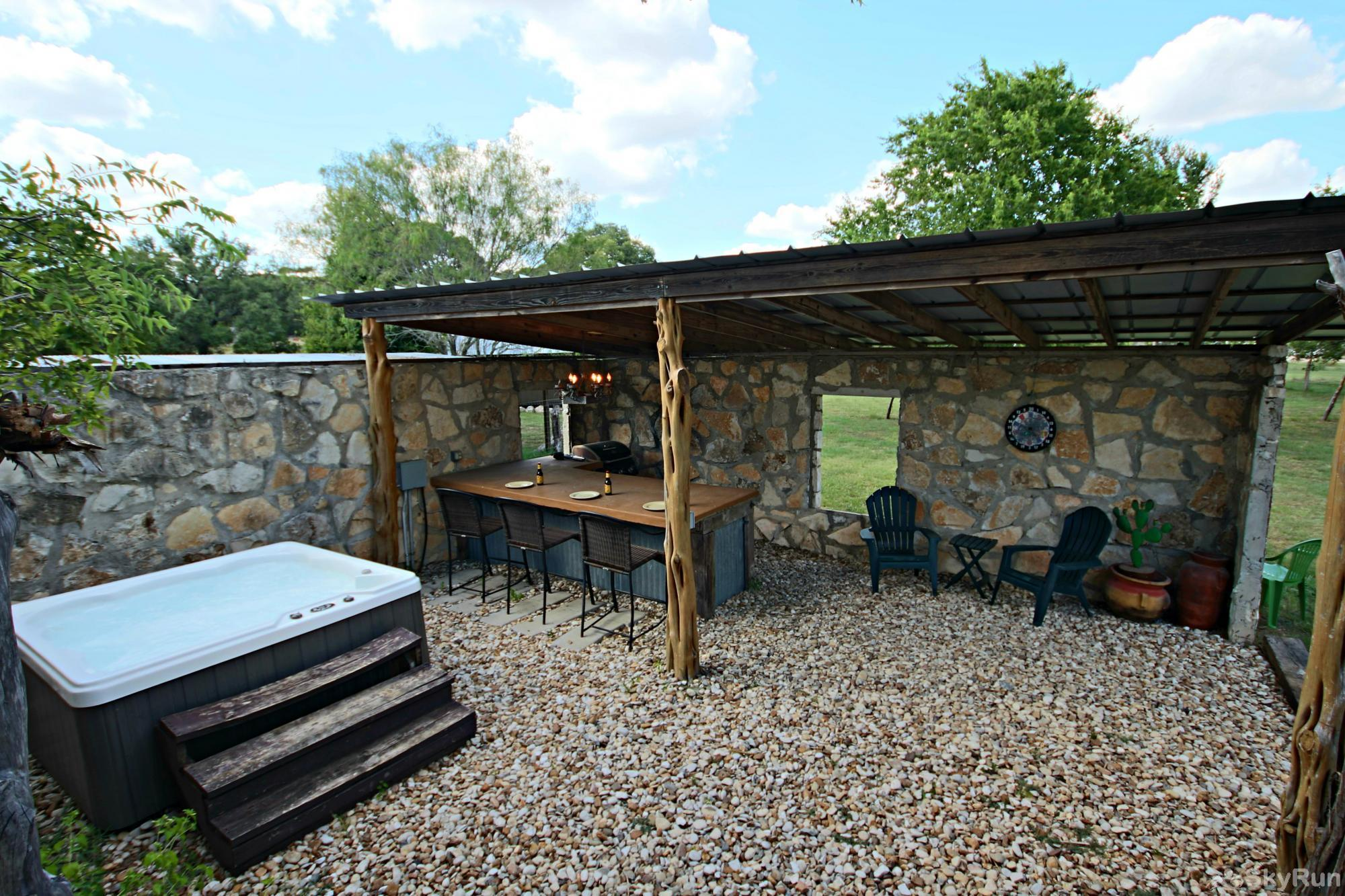 SHEPHERD'S REST Book Your Wimberley Vacation with SkyRun Today!