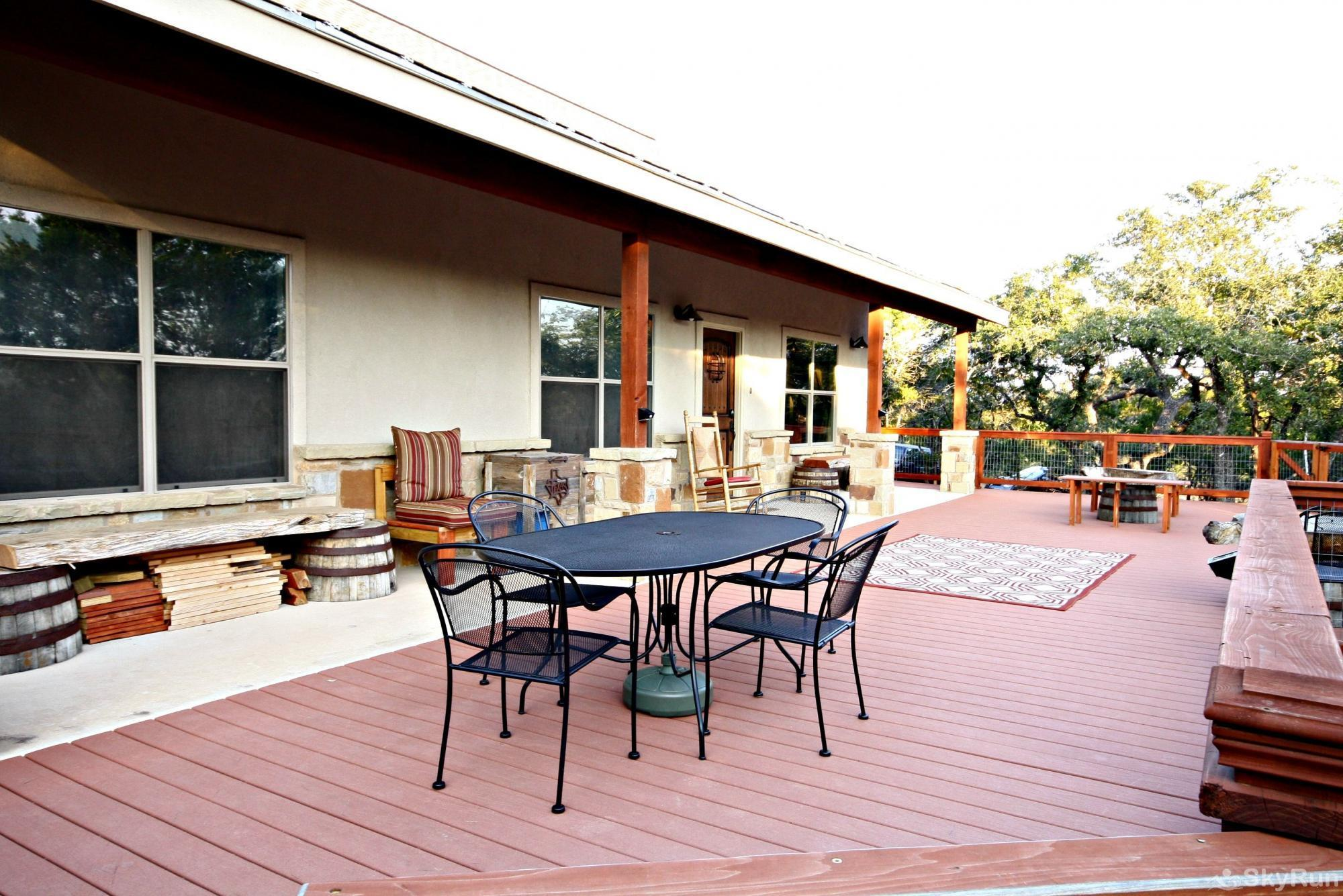 CANYON LAKE HIDEAWAY Outdoor Deck, cont.