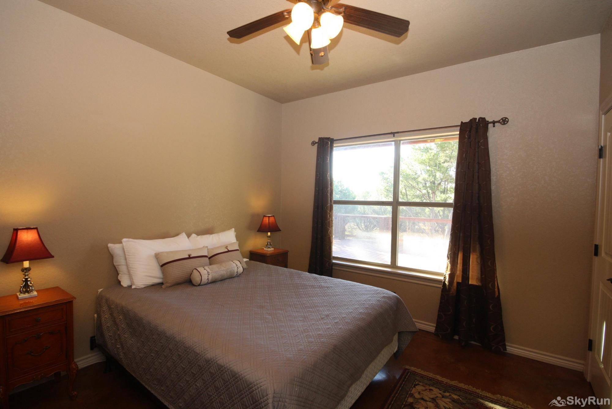 CANYON LAKE HIDEAWAY Second Bedroom with Queen