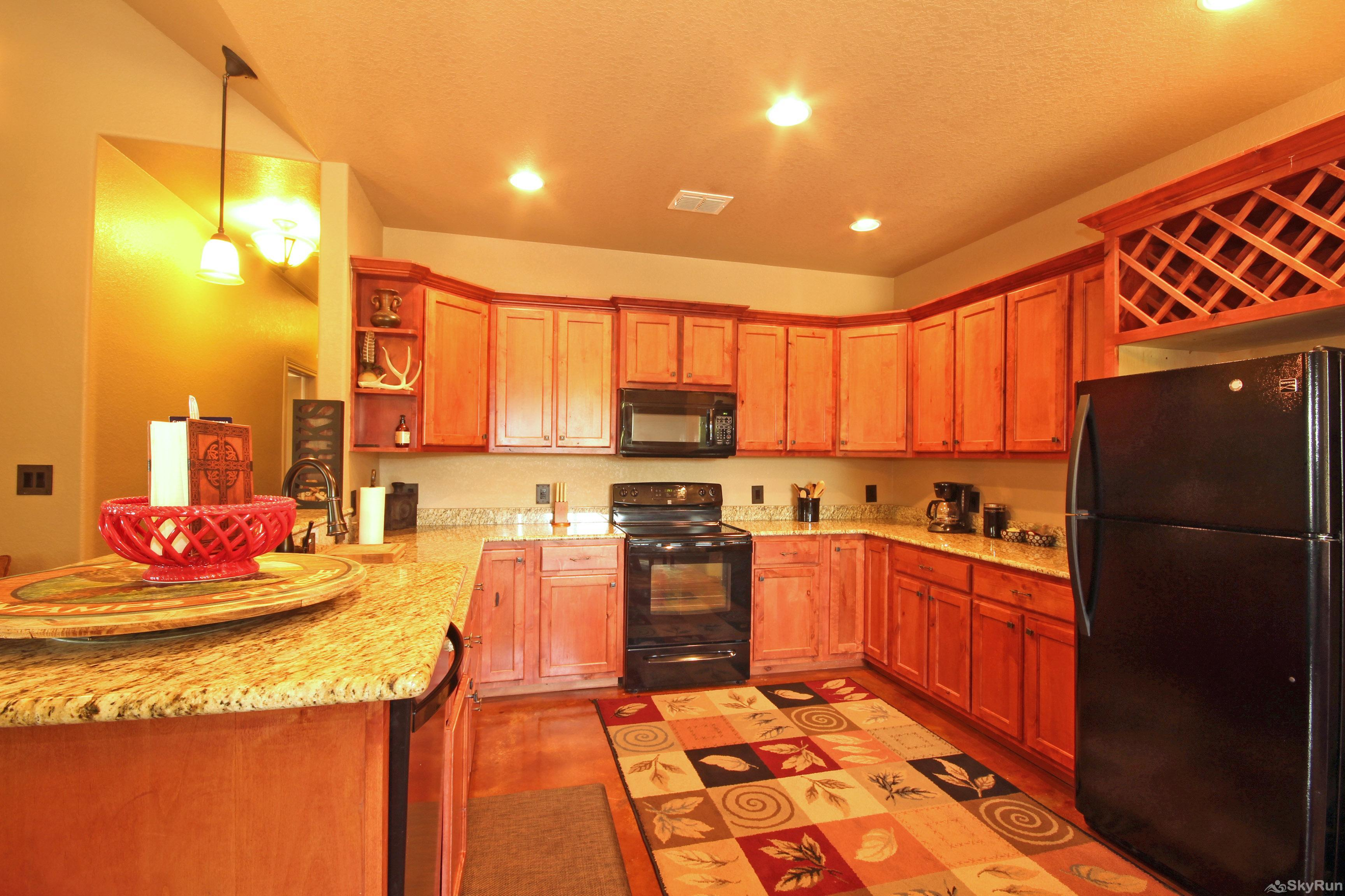 CANYON LAKE HIDEAWAY Fully Equipped Kitchen with Granite Counters