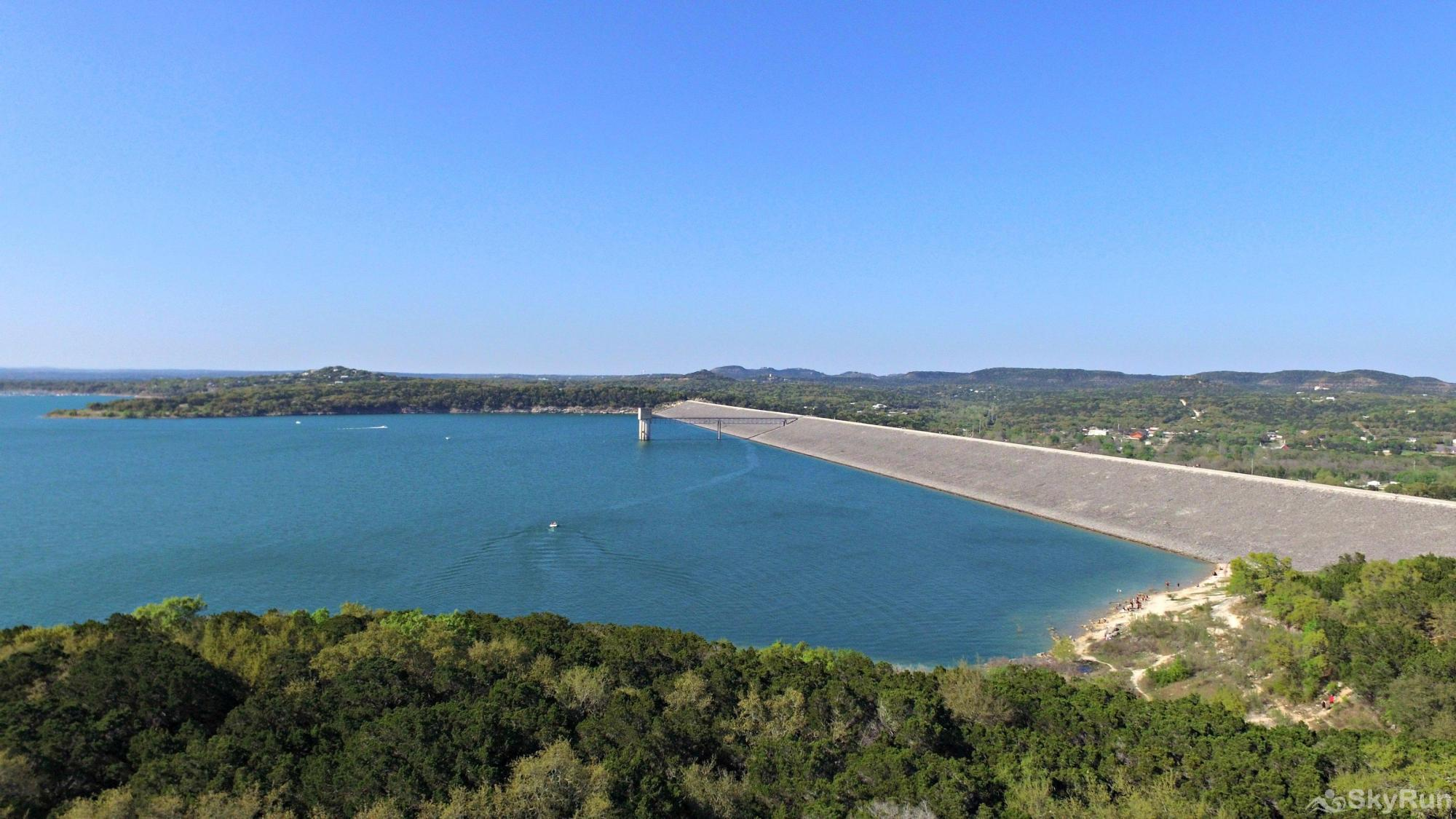 CASA DEL LAGO Walk Across Scenic Canyon Dam, 5 Miles from the Home