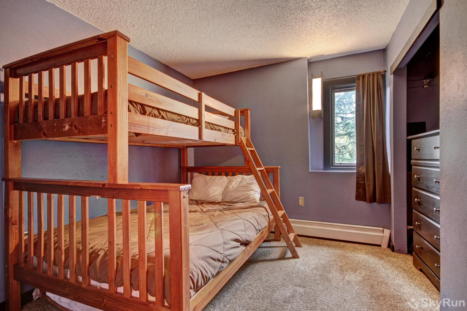 Gold Camp E85 Twin over double bunk bed