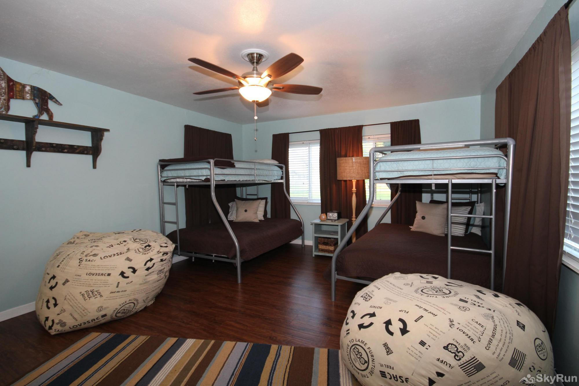 SUNSET LAKE HAUS Third Bedroom with Full/Twin Bunks