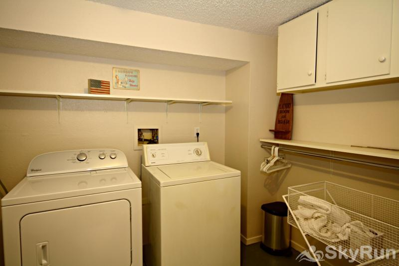 RIVENDELL LODGE Large Laundry Room
