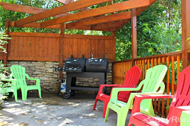 LA BUENA VIDA Barbecue Area
