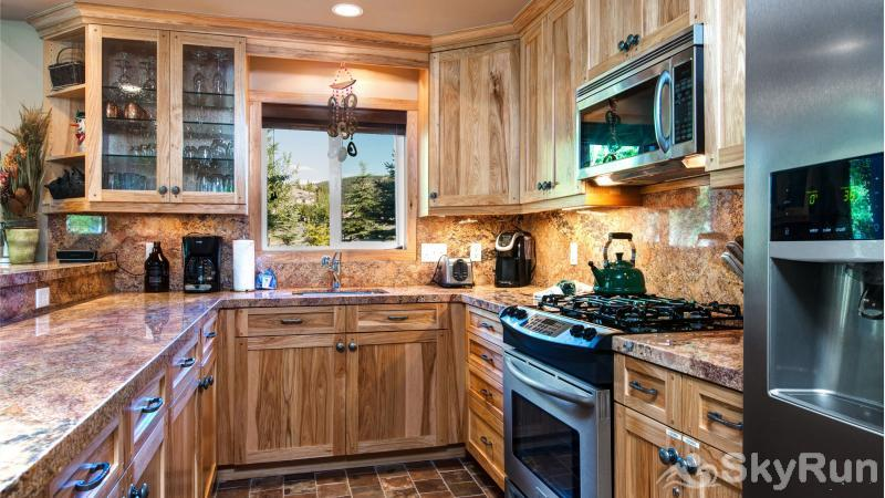 3 Kings Mountain Vista Beautiful Kitchen