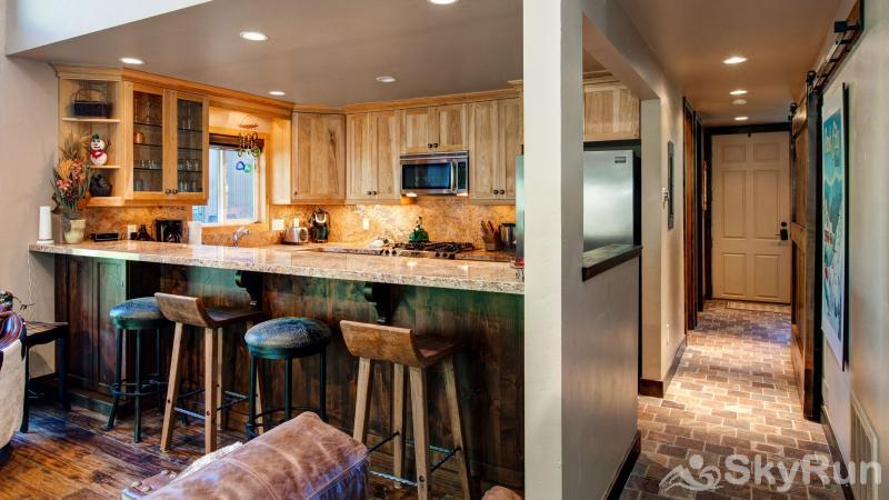 3 Kings Mountain Vista Kitchen