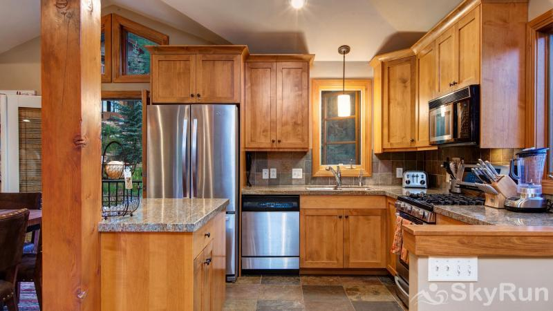 1018 Lowell Lookout Great Kitchen