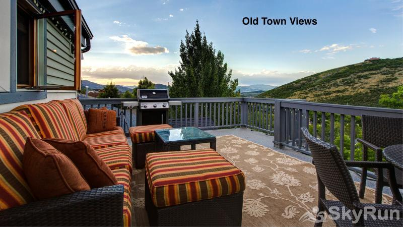 1018 Lowell Lookout Summer Deck