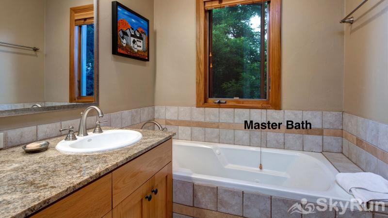 1018 Lowell Lookout Master Bath