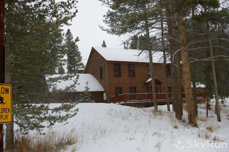 Grey Squirrel Lodge Your perfect winter getaway!
