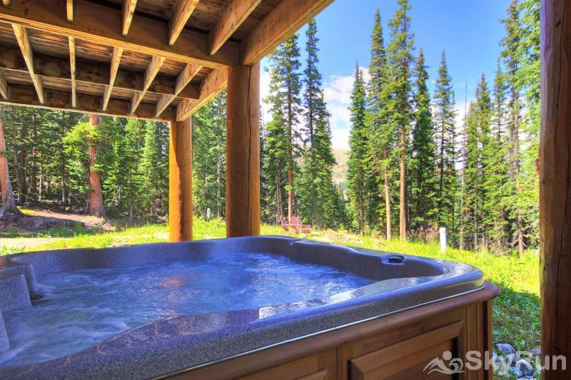 Timber Ridge Lodge Private outdoor hot tub