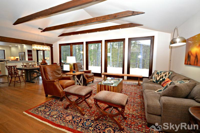 Stillwater River Escape Comfortable Living Area