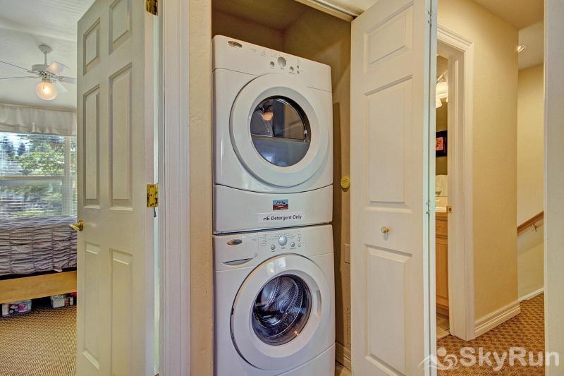 Kingdom Park Retreat In-property stackable washer/dryer