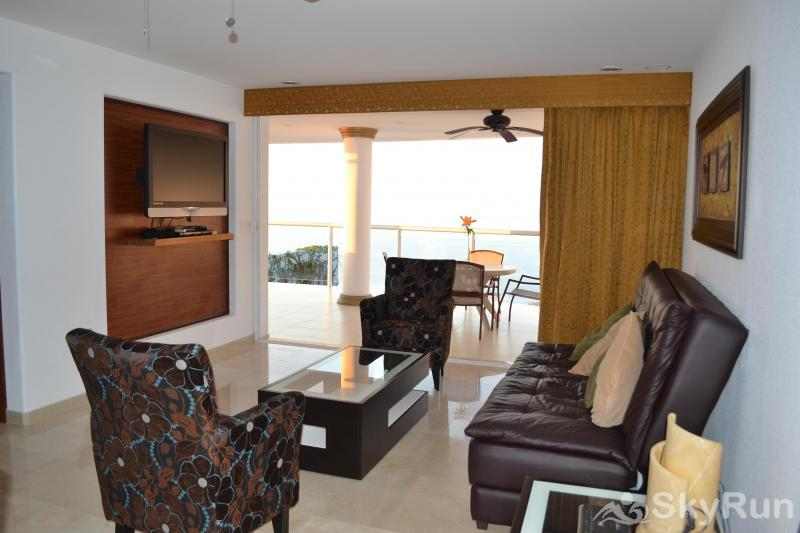 Spectacular Penthouse OceanView 1BDR | Outdoor Pool, PRME Location DSC_1044.JPG