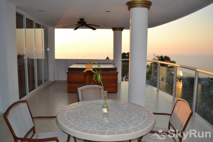 Spectacular Penthouse OceanView 1BDR | Outdoor Pool, PRME Location