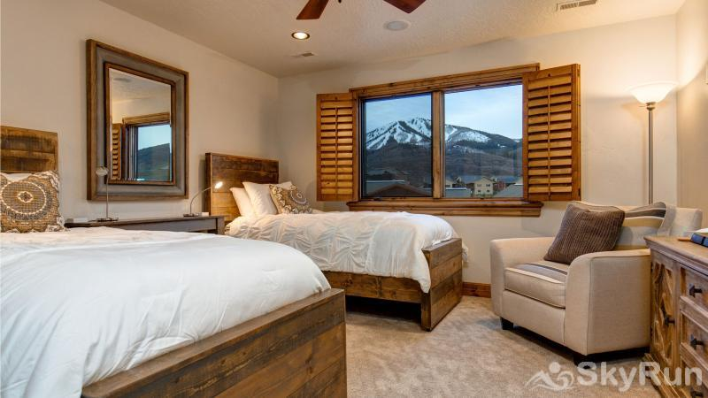 Mountain Home Retreat 1235H Upper Twin Bedroom