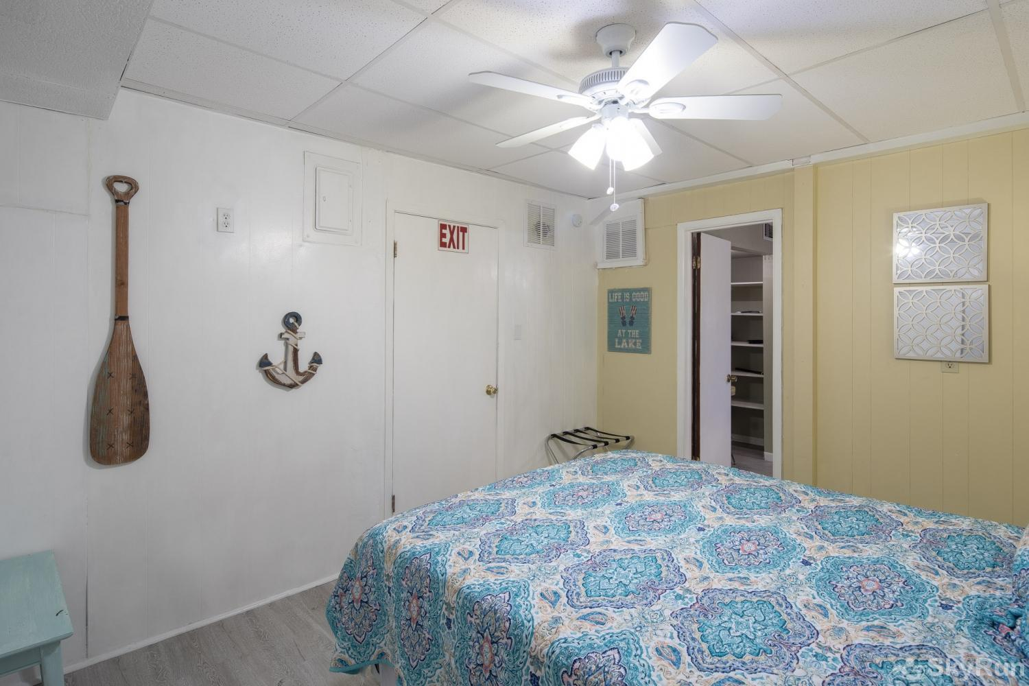 TEXAS ROSE LODGE Third bedroom, cont.